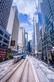 Les tramways de Hong Kong, trams du ` s de Hong Kong fonctionnent dans deux directions -- les passagers d'est et occidentaux se p photos stock
