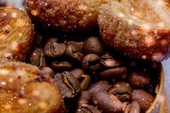 Les tranches de mandarine, biscuits, coeurs, arc 36 de dentelle Photos stock