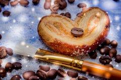Les tranches de mandarine, biscuits, coeurs, arc 47 de dentelle Images stock