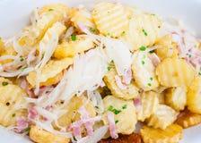 Les tranches ont fait frire des pommes de terre Images stock