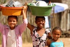 Les travaux domestiques avec un sourire Photos stock