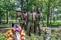 Les trois soldats - le mémorial du vétéran du Vietnam dans le Washington DC photographie stock libre de droits