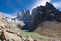 Les trois tours au stationnement national de Torres del Paine Images libres de droits