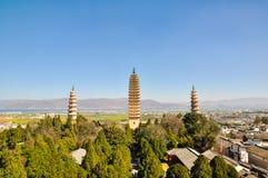 Les trois tours célèbres dans le temple de Chongsheng Photos stock