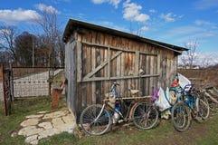 Les trois vieilles bicyclettes photos stock