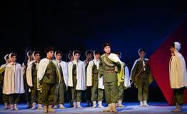 """Les troupes veulent l'opéra de commencement-Pékin """"Taking le  de € de Tiger Montain By Strategyâ Photos stock"""