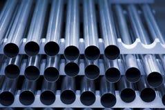 Les tubes d'acier inoxydable ont empilé Image stock