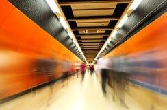 Les tunnels de souterrain, tache floue de mouvement Hon Kong photo stock
