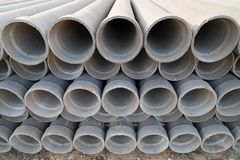 Les tuyaux d'amiante-ciment Photographie stock libre de droits