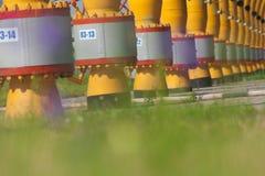 Les tuyaux sont sur la station de compresseur à gaz image libre de droits