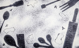 Les utilités de Noël forme sur le fond de farine avec l'espace libre pour votre texte de Noël, vue supérieure Images libres de droits