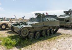 Les véhicules blindés militaires se trouvent sur le chantier commémoratif près du musée blindé de corps dans Latrun, Israël photos libres de droits