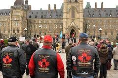 Les vétérans protestent sur la côte du Parlement Images stock