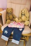 Les vêtements des enfants pliés Photographie stock libre de droits