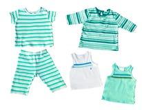 Les vêtements du bébé d'isolement Photographie stock libre de droits