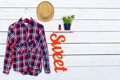 Les vêtements et les accessoires des femmes Photographie stock libre de droits