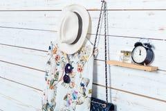 Les vêtements et les accessoires des femmes Images libres de droits
