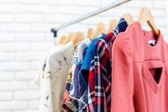 Les vêtements et les accessoires des femmes Photo libre de droits