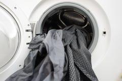 Les vêtements sales attendent la blanchisserie Photo libre de droits