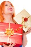 Les vacances aiment le concept de bonheur - fille avec des boîte-cadeau image libre de droits