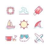 Les vacances de voyage et d'été chantent l'ensemble Mince icônes de schéma plat Photos libres de droits