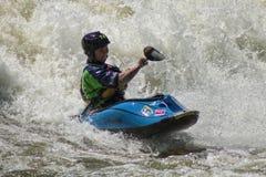 Les vagues étonnantes de rivière de la rivière Chattahoochee images libres de droits