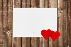 Les valentines cardent et deux coeurs Image libre de droits