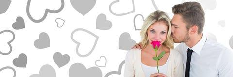 Les valentines couplent se tenir se sont levées avec le fond de coeurs d'amour Image libre de droits