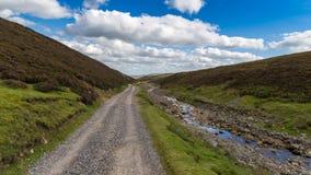 Les vallées de Yorkshire s'approchent de la vieille bande Smeltmill, North Yorkshire, R-U Images libres de droits