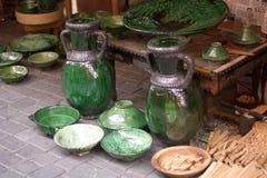 Les vases ont coloré fait main sur les marchés arabes Images stock