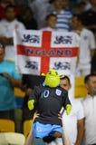 Les ventilateurs anglais réagissent après que battement de l'Angleterre de la Suède Image libre de droits