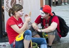 Les ventilateurs russes effectuent la peinture de visage Photographie stock