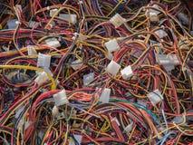 Les vieilles pièces d'ordinateur, câbles se ferment  Photos libres de droits