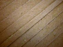 Les vieilles planches en bois se ferment avec le fond de mousse photos stock