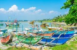 Les vieux bateaux dans le port Photo libre de droits