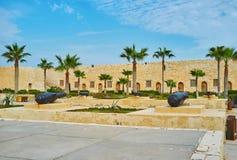 Les vieux canons dans le fort de l'Alexandrie, Egypte photographie stock