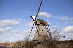Les vieux moulins à vent néerlandais, Hollande, étendues rurales Moulins à vent, le symbole de la Hollande Images stock