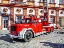 Les vieux sapeurs-pompiers allemands Magirus automobile Deutz images libres de droits