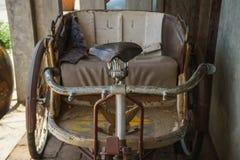 Les vieux véhicules tricycles Photographie stock
