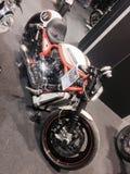 Les vélos faits sur commande montrent à l'EXPO 2015 de VÉLO de MOTEUR de VÉRONE Italie Images libres de droits