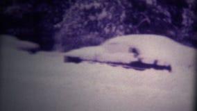 Les voitures (de film 8 superbe) ont enterré la chute de neige importante 1975 clips vidéos