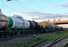 Les voitures de rail portent le p?trole brut et l'?thanol photo libre de droits
