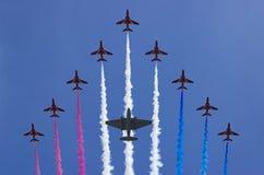 Les vols acrobatiques team les flèches rouges Photo libre de droits