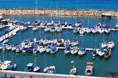 Les yachts invitent dans la course Photographie stock libre de droits