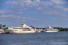 Yacht dans West Palm Beach Images libres de droits