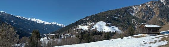 Lesachvalley na mola adiantada, Tirol oriental Imagens de Stock Royalty Free