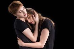 Lesbisches Paar-Umarmen stockfotografie