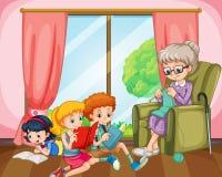 Lesende Kinder und Stricken alter Dame Stockbilder