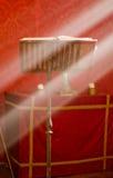 Lesepult im Altar mit einer heiligen Bibel. Lizenzfreie Stockfotografie