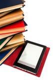 Leser und alte Bücher Stockfotografie